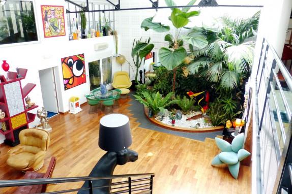 en images a vendre loft dans un ancien garage moto. Black Bedroom Furniture Sets. Home Design Ideas