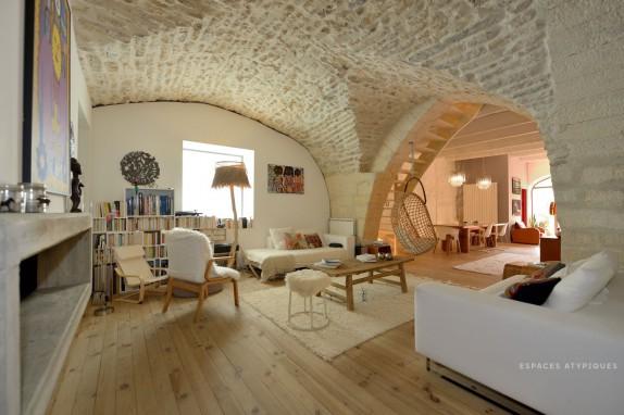 en images a vendre b tisse proven ale du xviiie r nov e. Black Bedroom Furniture Sets. Home Design Ideas