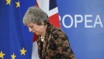 Brexit: Theresa May condamne les appels à un second réferendum