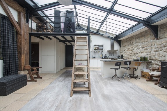 En images vendre atelier sous verri re paris for Atelier paris immobilier