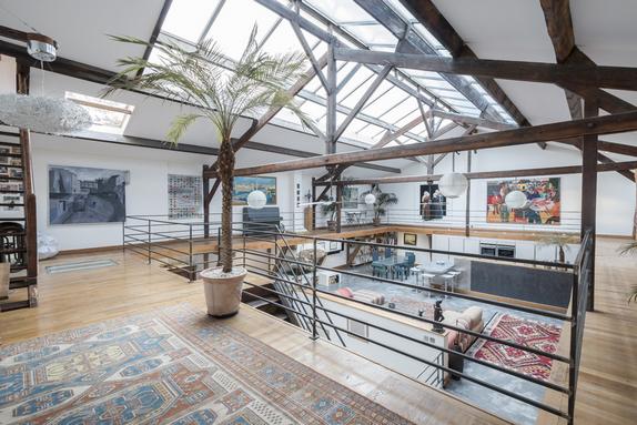 en images a vendre loft exceptionnel dans un ancien ensemble industriel. Black Bedroom Furniture Sets. Home Design Ideas