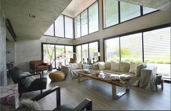 en images vendre maison de luxe biarritz. Black Bedroom Furniture Sets. Home Design Ideas