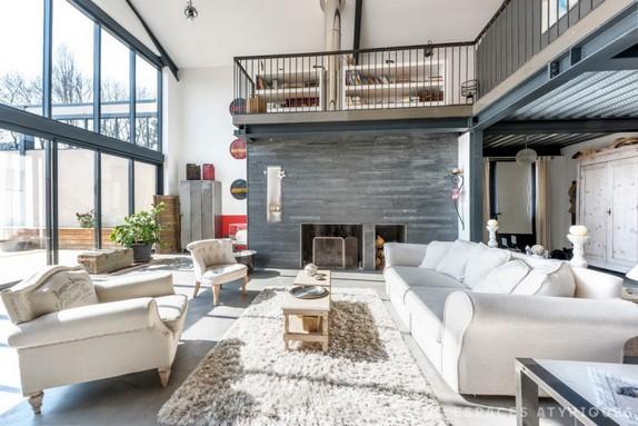 En images a vendre chaudronnerie r am nag e en maison loft for Achat immobilier loft